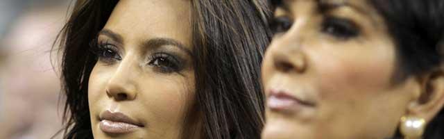 Kim-Kardashian-Kris-Jenner-Fighting_lis