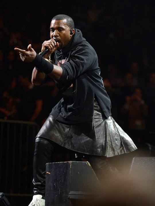 Kanye's 12/12/12 concert performance