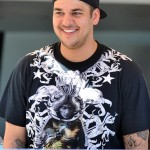 Rob Kardashian think his fat?
