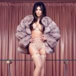 sexy Kim Kardashian in factice magazine