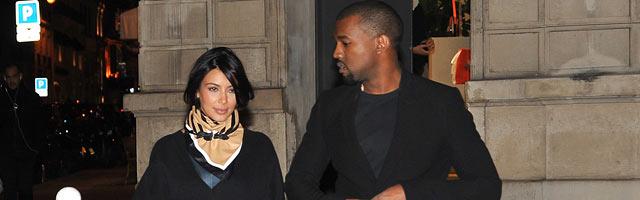 Kim Kardashian and Kanye West walk in Paris