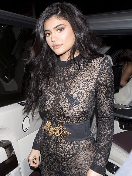 Kylie Jenner showed off her curves in Balmain jumpsuit