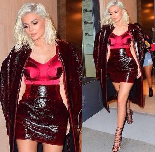 Kylie Jenner became a platinum blonde