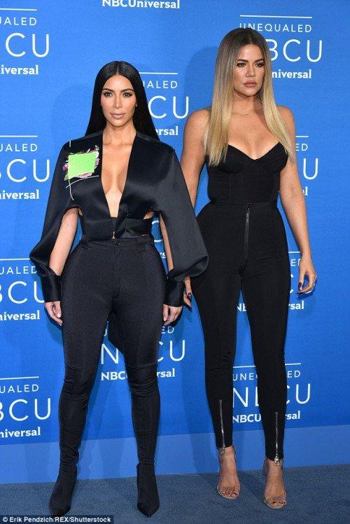 Perfect looks of Khloe and Kim Kardashian